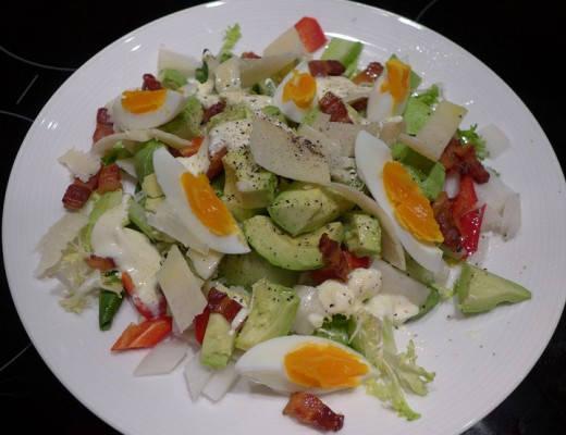 Egg- og baconsalat