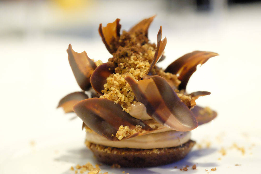 "Jeg bare sier... Chocolate ""Moelleux"" Azelia 35% Whipped Ganache. Hazelnut and Cookie Crumble"