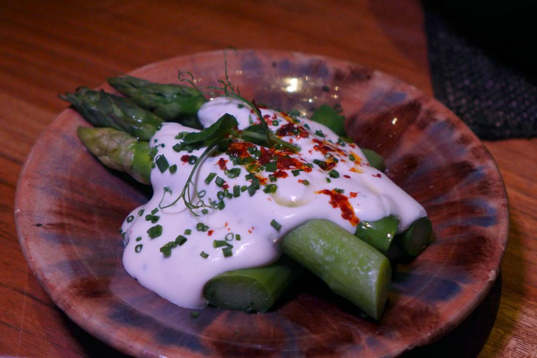 Gigastore asparges med labneh