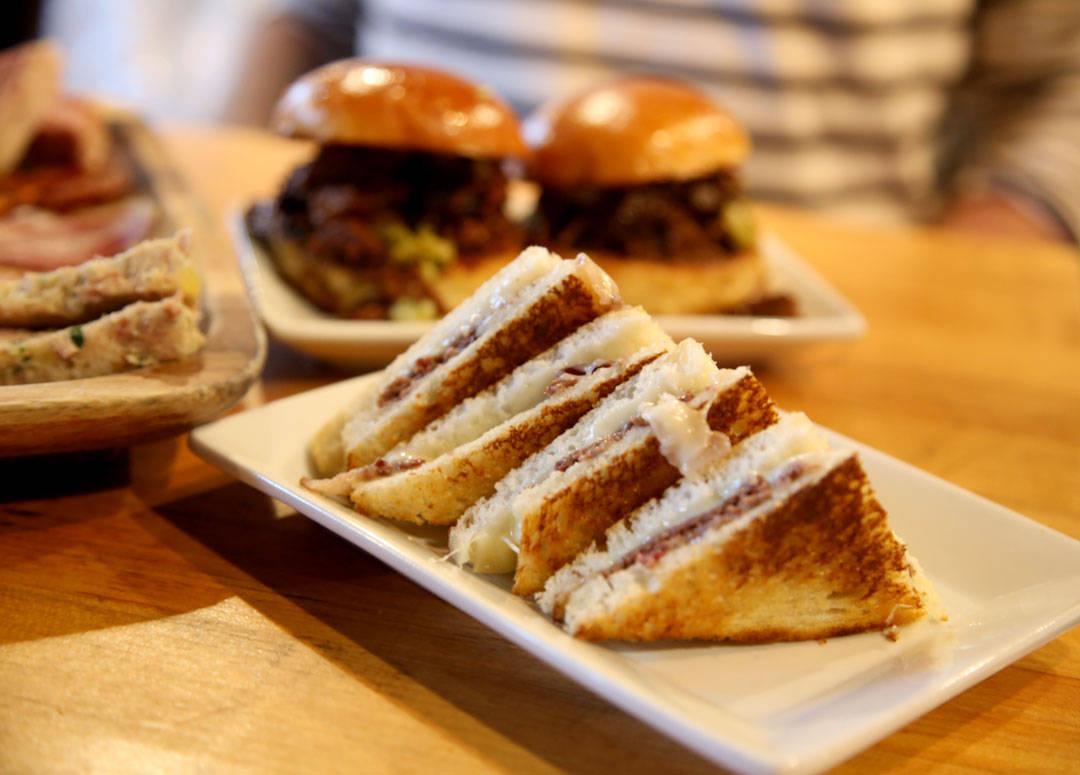 Ande-sandwichen på Cochon Butcher i New Orleans.