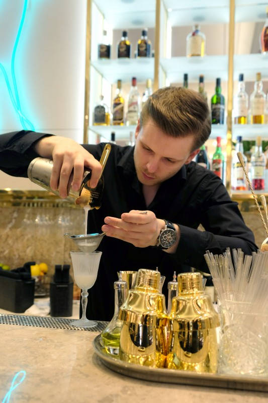Bartender Roman på O