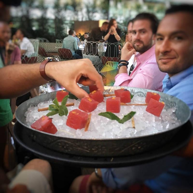 Sangriamarinert vannmelon.