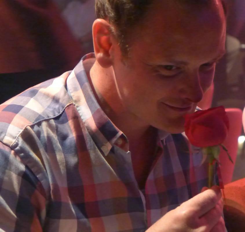 Lukter om ei rose. Smaker som ei rose.