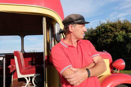 Svend og veteranbussen.