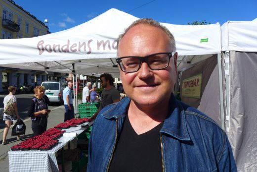 Jeg møtte Jon Berg på Bondens Marked i Oslo en lørdag i august.