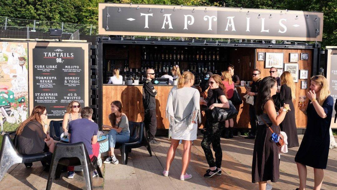 Eksempel på Himkoks kreative prosjekter. Taptailsbar (cocktails på tap) på Øya-festivalen.