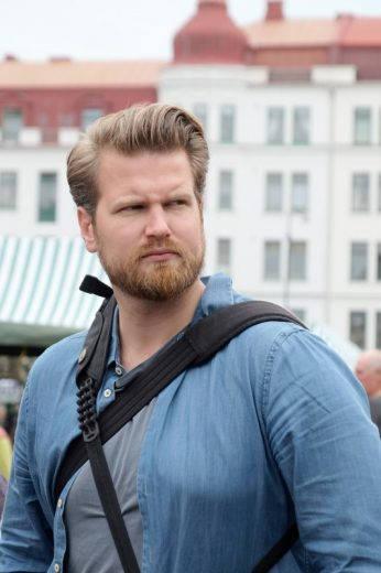 Anders Husa i Malmø under en felles tur i regi av Visit Sweden.
