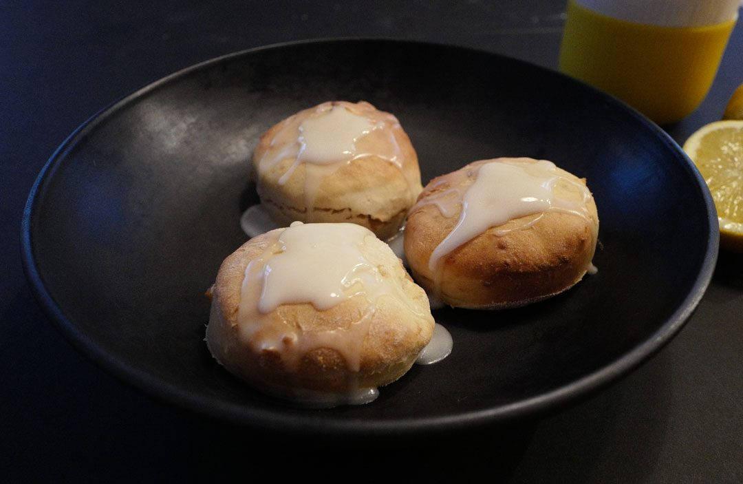 L1100433 1080x703 - Superenkle scones med ingefær og sitron