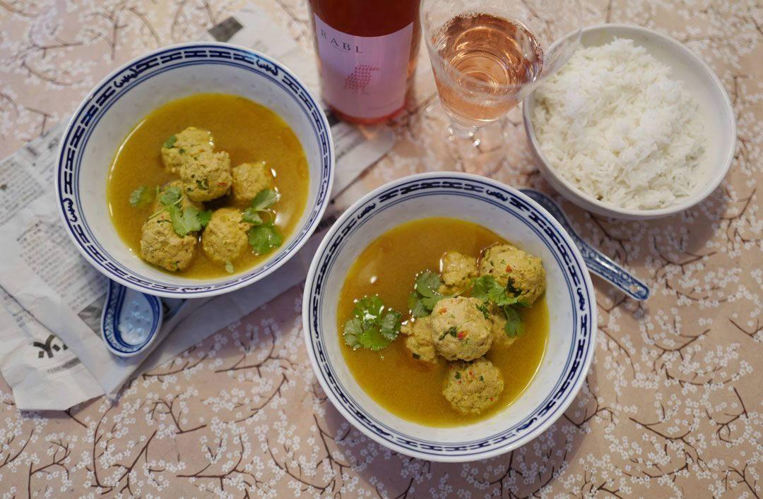 L1160375 1080x707 - Aromatisk suppe med kjøttboller