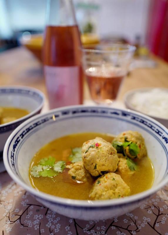 L1160379 - Aromatisk suppe med kjøttboller